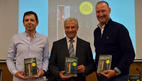 """Francisco Castaño y Pedro García Aguado presentan el libro """"La Mejor medalla su educación"""""""