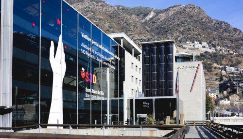 Andbank inicia la renovación de su red de cajeros automáticos