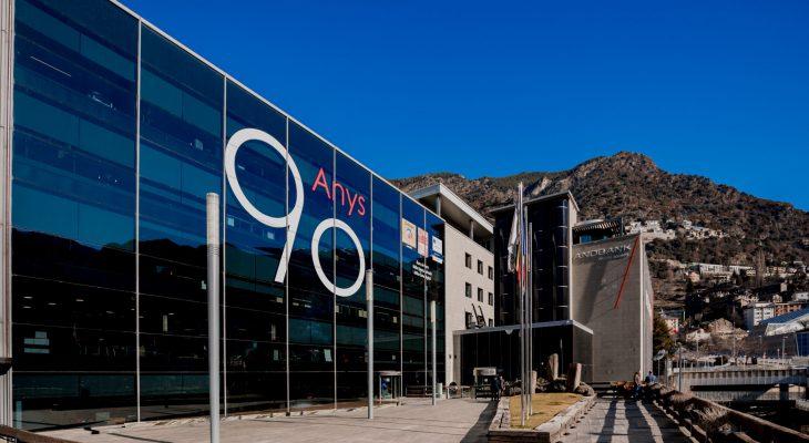 Andbank firma un convenio para la comercialización del fondo Everwood V, que invierte en la construcción de plantas fotovoltaicas